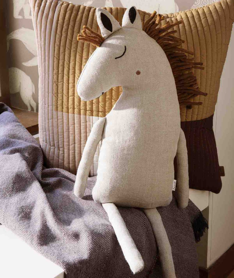 Ferm Living Cuscino Cavallo Grigio Chiaro - ITZI HUB: il luogo sicuro per i tuoi regali