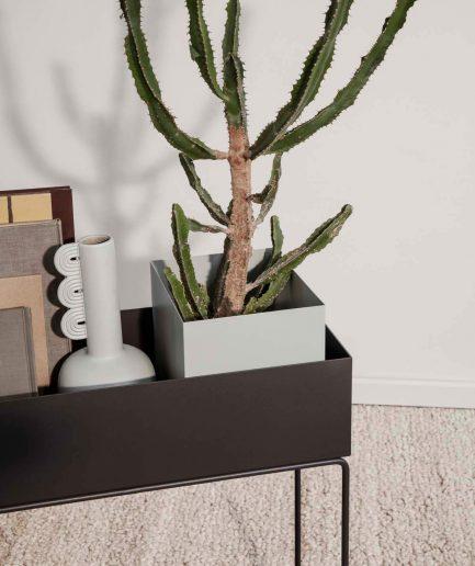 Ferm Living Plant Box Grande Grigio Scuro- ITZI HUB: il luogo sicuro per i tuoi regali