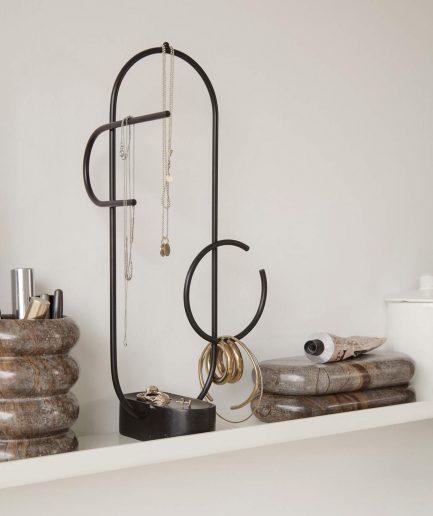 Ferm Living Porta Gioielli - ITZI HUB: il luogo sicuro per i tuoi regali 01