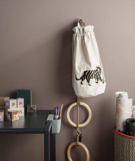 Ferm Living Porta Penne a Tasca Little ArchitectGrigio - ITZI HUB: il luogo sicuro per i tuoi regali 01