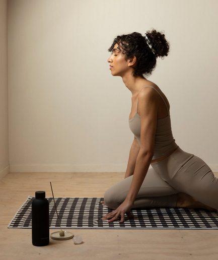 Monk & Anna Yoga Towel - ITZI HUB: il luogo sicuro per i tuoi regali