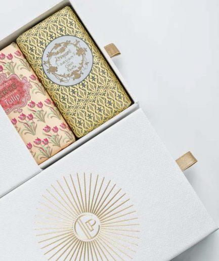 Claus Porto cofanetto regalo pearl sandalwood tulip & lavender: ITZI HUB il luogo sicuro per i tuoi regali
